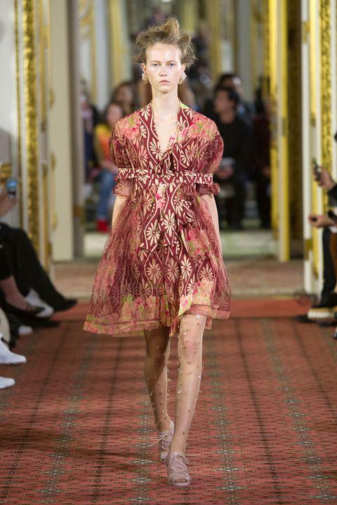 Style, Dress, Flooring, Street fashion, Fashion, Fashion model, One-piece garment, Fashion show, Runway, Day dress,