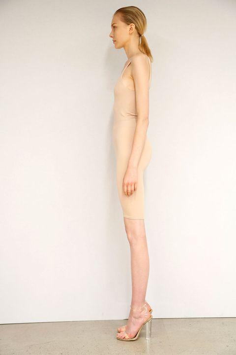 Finger, Skin, Human leg, Shoulder, Toe, Joint, Elbow, Knee, Waist, Sandal,