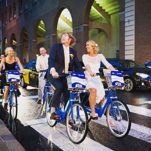 Wheel, Tire, Bicycle tire, Bicycle wheel, Bicycle frame, Bicycle wheel rim, Land vehicle, Bicycle, Bicycle fork, Bicycle handlebar,