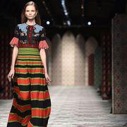 Style, Fashion show, Street fashion, Fashion model, Fashion, Dress, Pattern, One-piece garment, Waist, Runway,