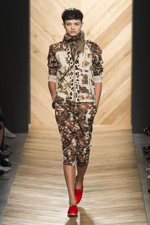 Footwear, Fashion show, Style, Runway, Fashion model, Fashion, Pattern, Street fashion, Thigh, Waist,