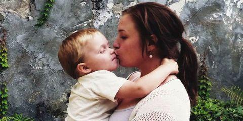 Head, Ear, Nose, Human, Lip, Cheek, Mouth, Shoulder, Comfort, Child,