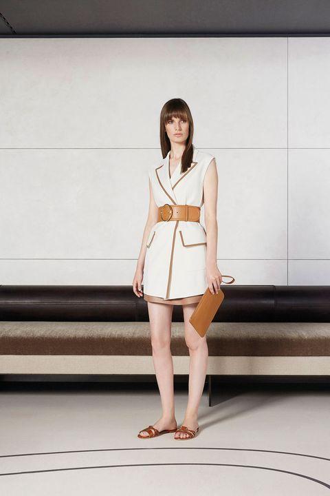 Clothing, Leg, Sleeve, Skin, Human leg, Shoulder, Joint, Standing, Style, Dress,