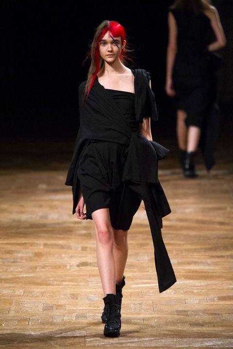 Dress, Joint, Style, Fashion model, Knee, Fashion, Black, Little black dress, One-piece garment, Cocktail dress,