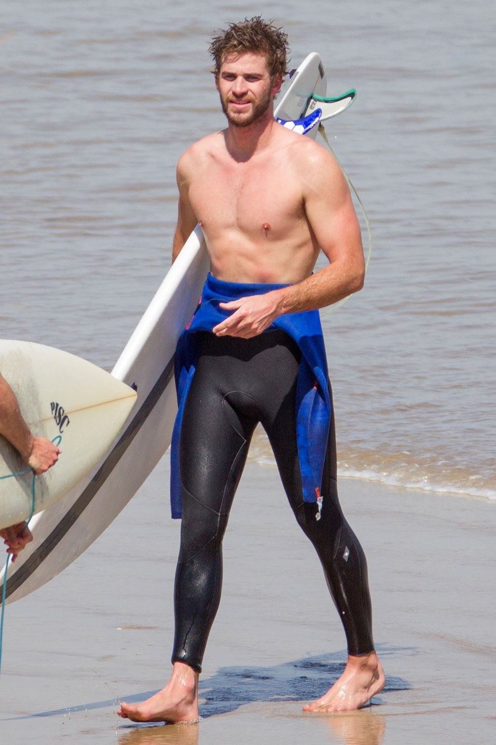 Take a Moment to Get Lost in Liam Hemsworth's Abs