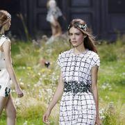 Dress, Summer, Pattern, People in nature, Fashion, Day dress, Street fashion, One-piece garment, Spring, Tartan,