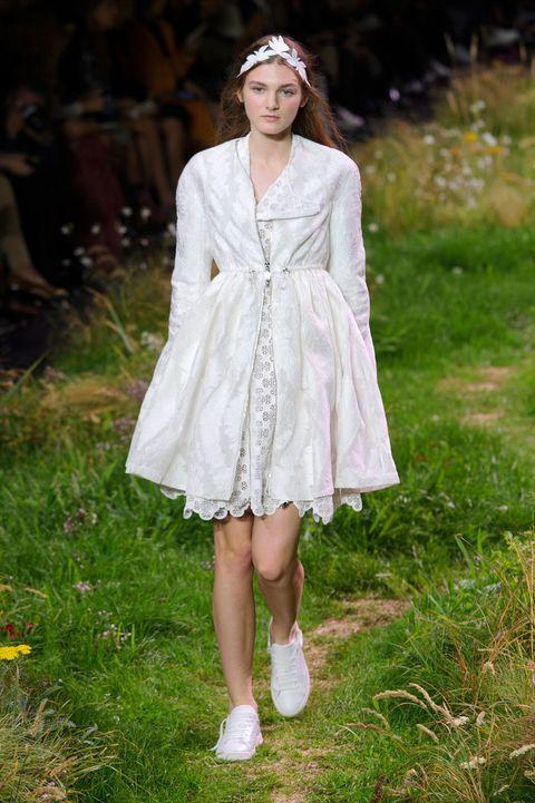 Clothing, Dress, Textile, One-piece garment, Day dress, Headpiece, Street fashion, Fashion model, Spring, Embellishment,