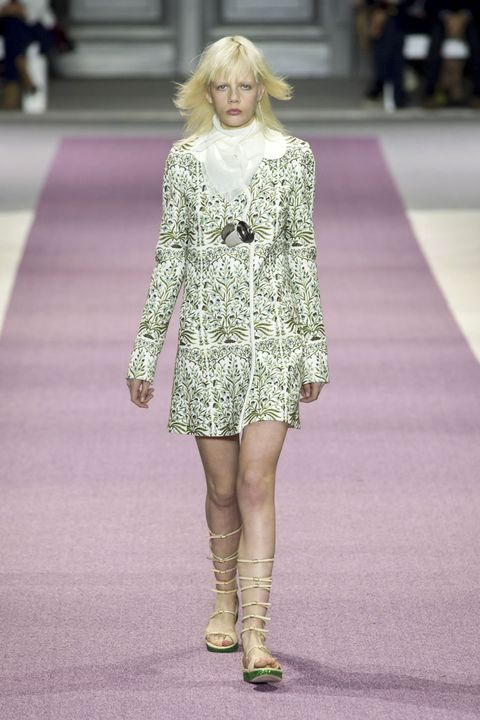 Shoulder, Fashion show, Joint, Human leg, Dress, Style, Runway, Fashion model, Street fashion, Fashion,