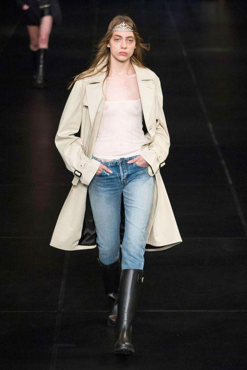 Clothing, Leg, Sleeve, Denim, Jeans, Textile, Human leg, Jacket, Joint, Outerwear,