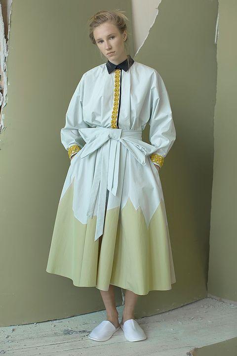 Sleeve, Standing, Collar, Fashion, Embellishment, Vintage clothing, Costume, Costume design, Day dress, One-piece garment,