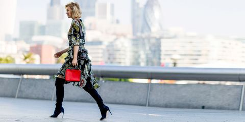 Bag, Street fashion, Luggage and bags, Thigh, Knee, Fashion model, Waist, High heels, Handbag, Tower block,