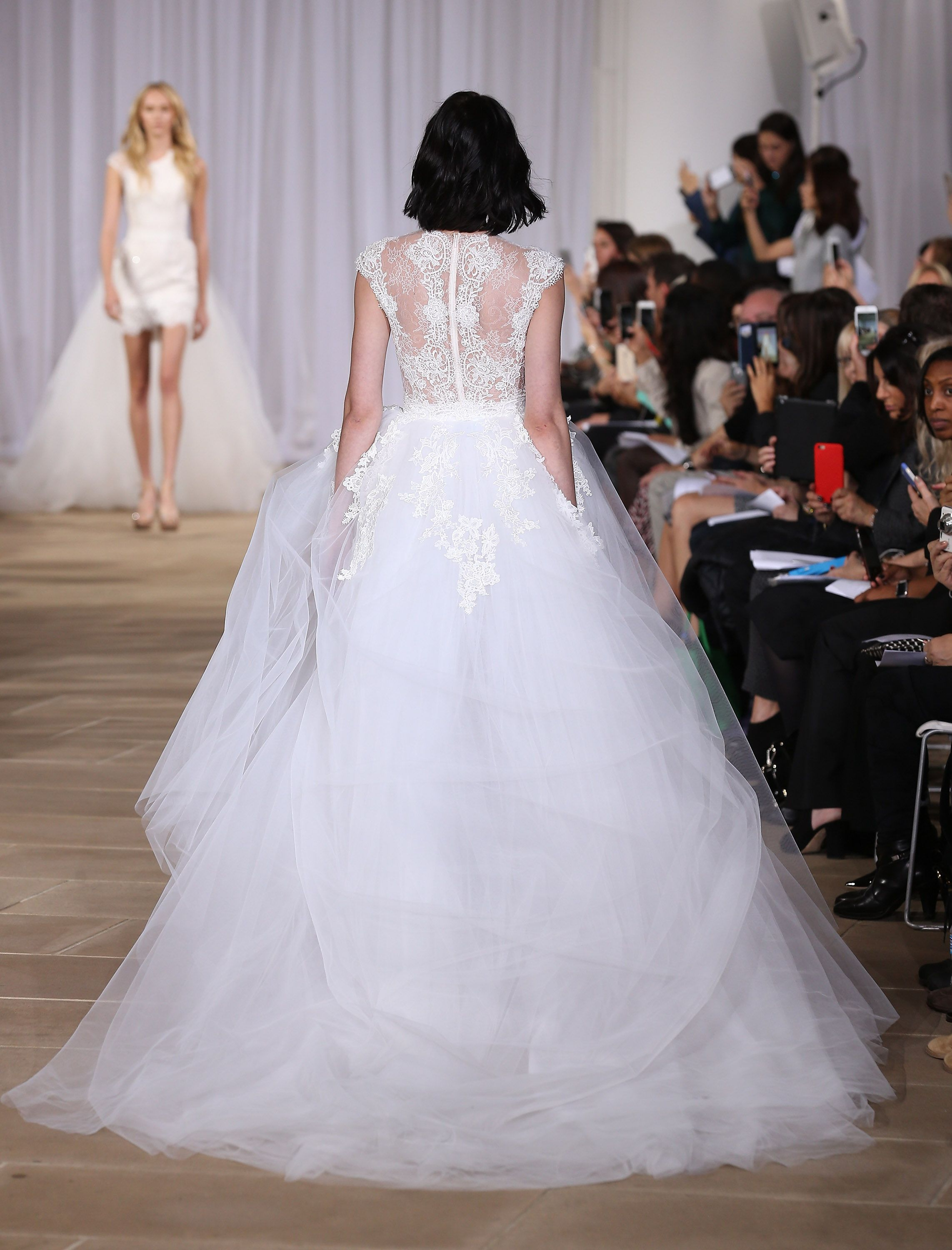 Pretty Back Details On Wedding Dresses Winter With Beautiful Backs