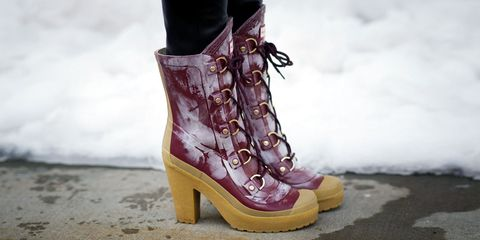 buy online 01dff 04ef5 22 Winter Boots that Can Handle the Slush