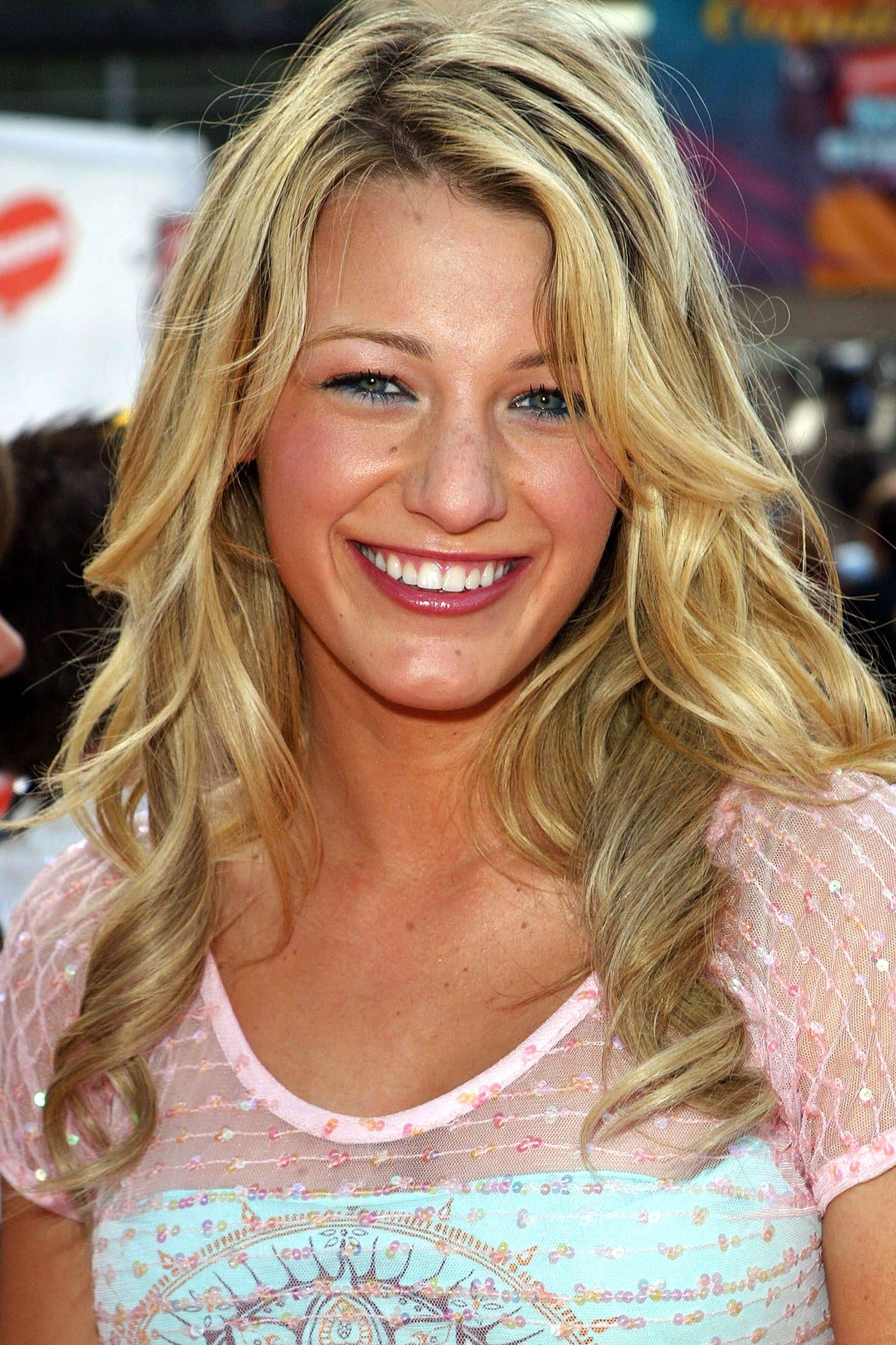 arrives at the 18th Annual Kids Choice Awards at UCLA's Pauley Pavillion on April 2, 2005 in Westwood, California.