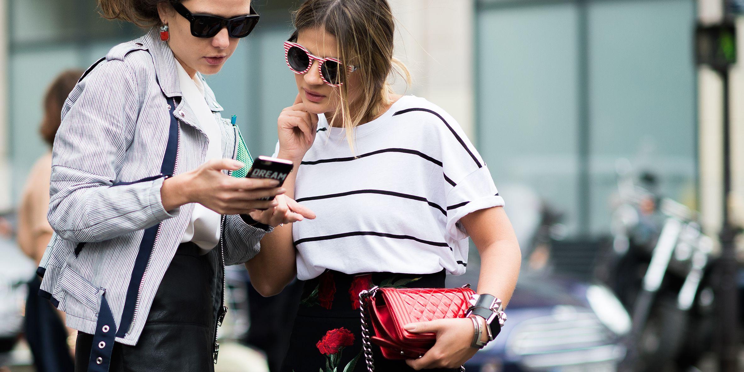 Obsessive Behaviors Online - 5 Reasons We Stalk People Online