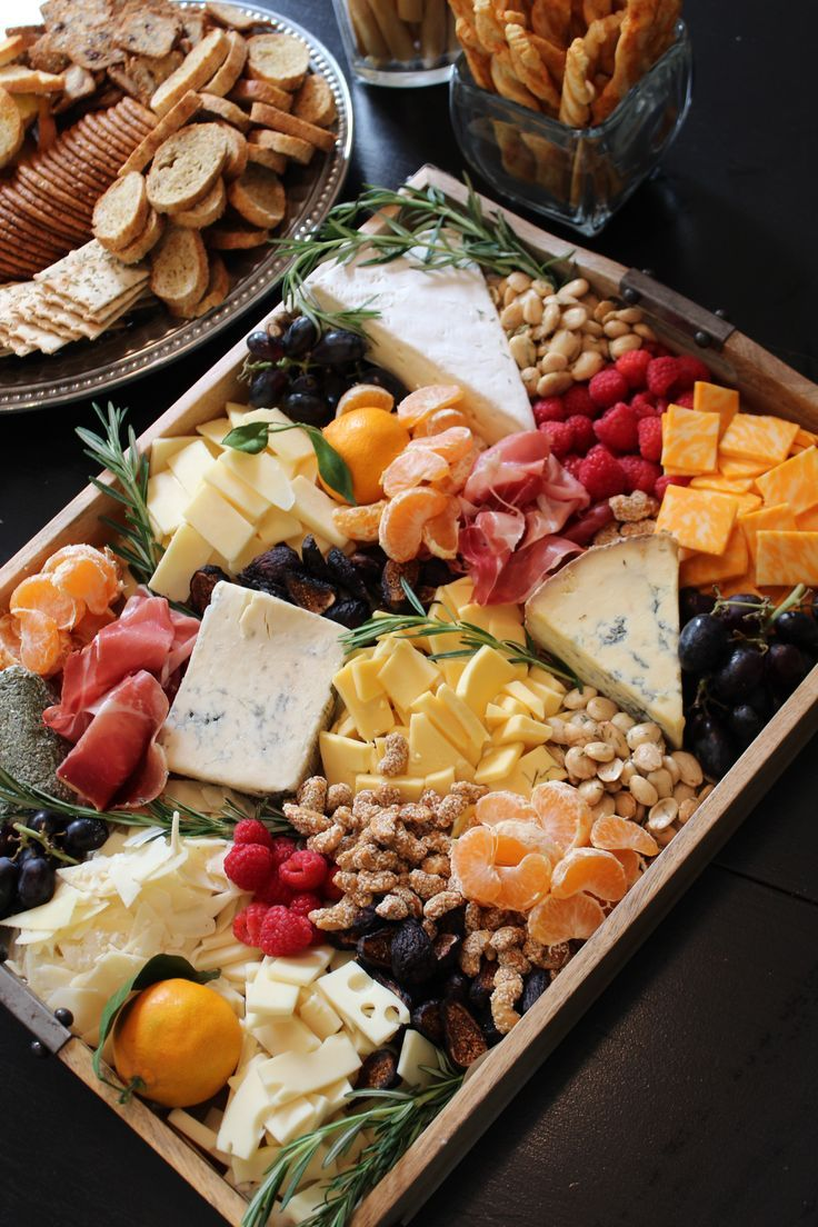 "<p>A more sophisticated option, a basic fruit and cheese platter packs a lot of flavor onto a single tray.</p><p><a href=""https://www.pinterest.com/pin/535506211921668242/"" target=""_blank"">Pin it.</a> </p>"