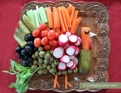 "<p>Similar to its fruit counterpart above, this ""turkey"" vegetable tray is simple to arrange, and fun to eat. </p><p><a href=""https://www.pinterest.com/pin/535506211921668263/"" target=""_blank"">Pin it.</a></p>"