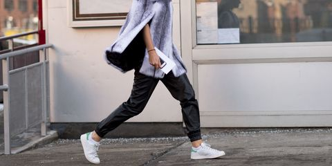 4 Ways to Wear Sweatpants to Thanksgiving Dinner