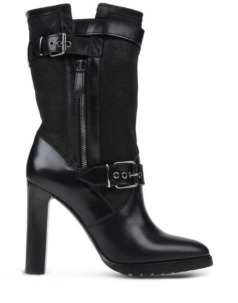 "<p>Burberry Ankle Boots, $598; <a href=""http://www.shoescribe.com/us/women/ankle-boots_cod44916485hk.html#dept=ssshoesw"">shoescribe.com</a></p>"