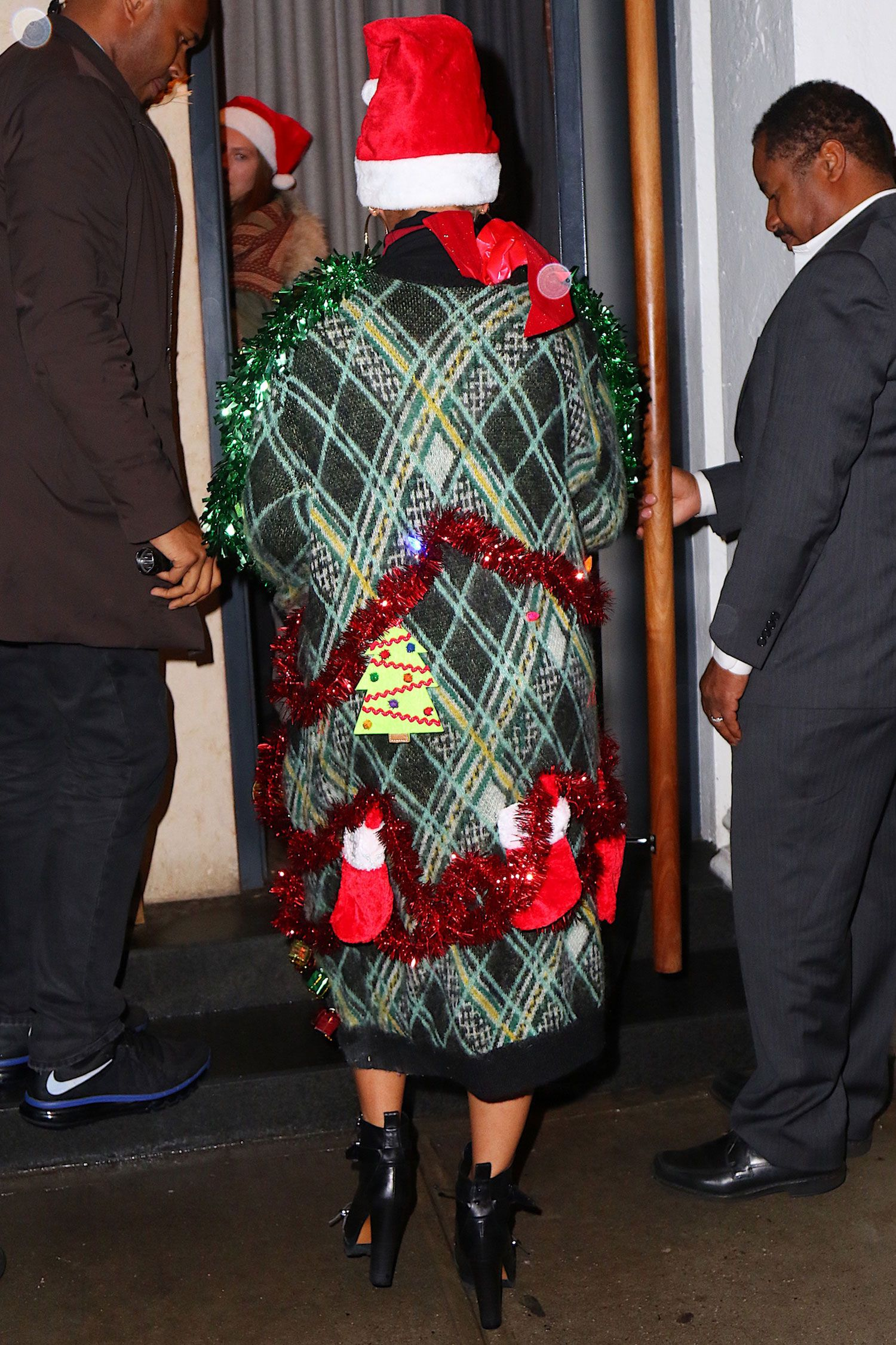Beyonce Wearing Ugly Christmas Sweater-Beyonce Celebrating Christmas.