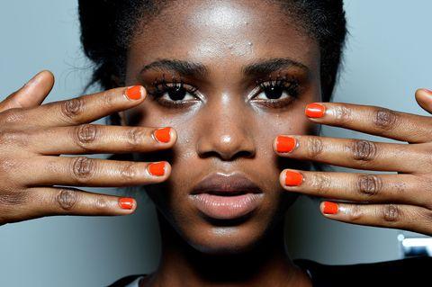 Finger, Lip, Skin, Eyebrow, Nail, Hand, Liquid, Eyelash, Style, Beauty,