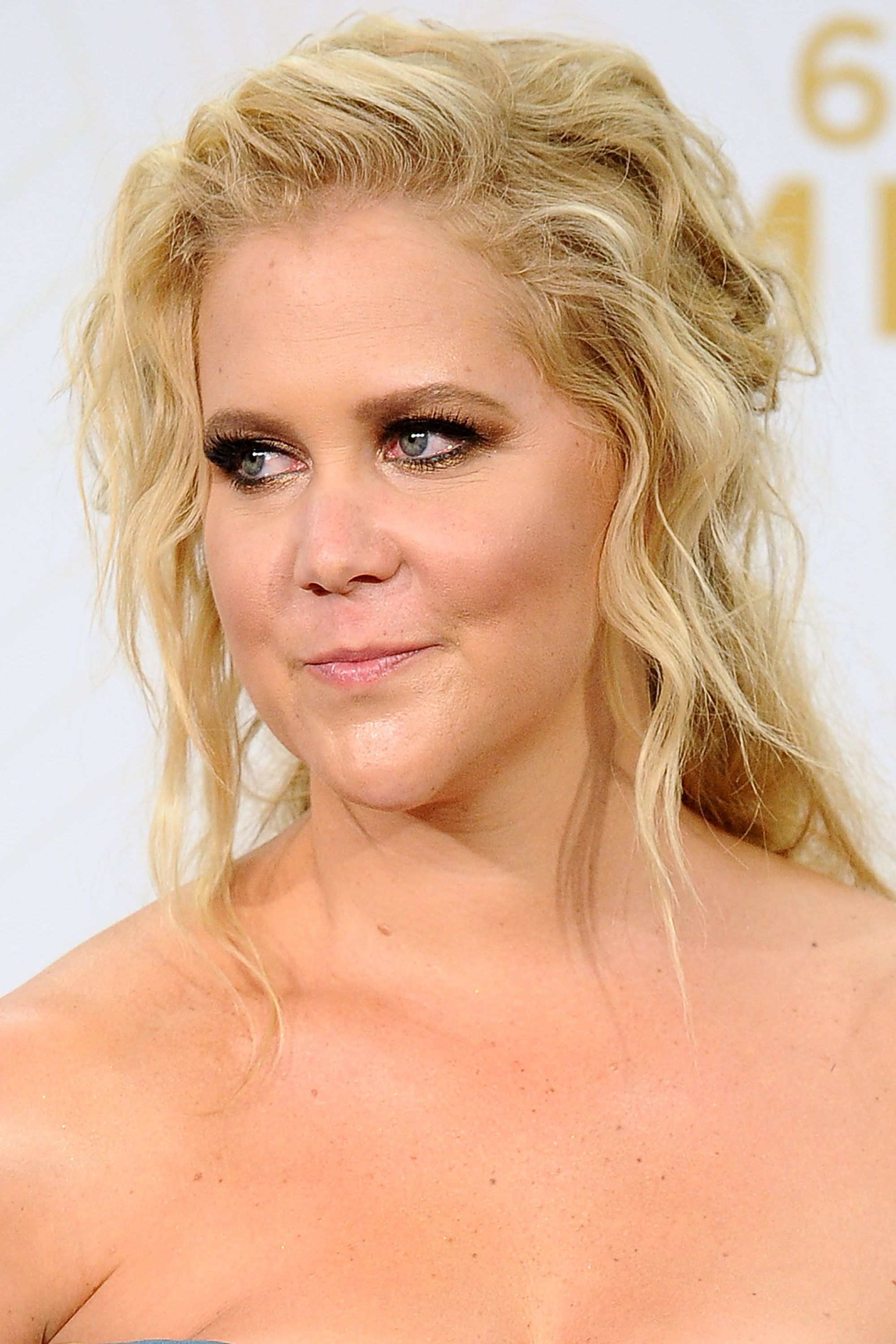 """<p>Okay, so a smoky eye on the red carpet isn't exactly Earth-shattering. But by giving a shout out to <a href=""""http://www.elle.com/beauty/makeup-skin-care/news/a30611/amy-schumer-emmys/"""" target=""""_blank"""">her makeup artist</a>, Amy Schumer acknowledged what we all know but what is rarely mentioned: Celebs are easier on the eyes thanks to the skills of hardworking professionals.   </p>"""