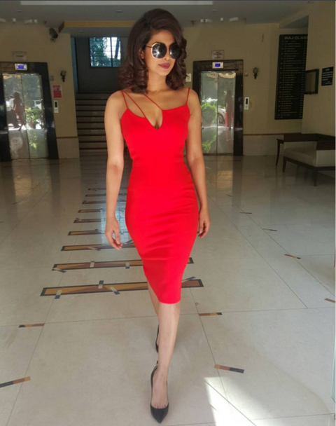 Fashion model, Clothing, Shoulder, Dress, Waist, Fashion, Red, Cocktail dress, Pink, Eyewear,