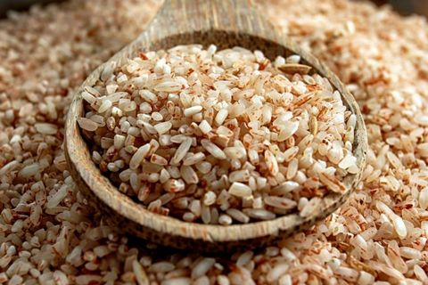 <p><strong> </strong>Rich in manganese, the mineral that helps produce energy from protein and carbs, it will help you maintain high energy all day. A versatile ingredient, brown rice can be served as a side dish with your favorite lean proteins (along with nutrient-packed veggies!) for a powerhouse lunch or dinner.</p>