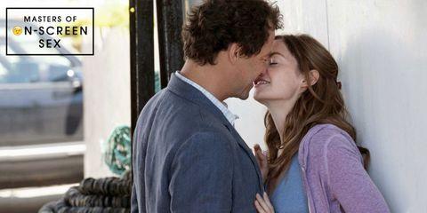 Ear, Forehead, Kiss, Romance, Interaction, Love, Gesture, Sharing, Conversation, Honeymoon,
