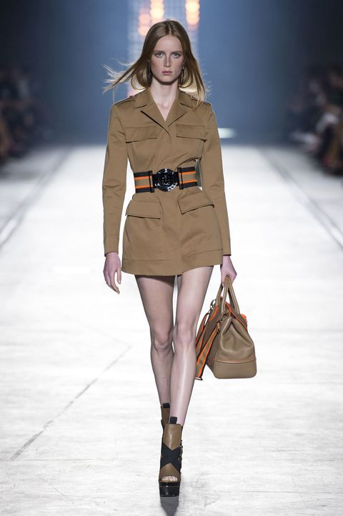 Clothing, Brown, Fashion show, Shoulder, Joint, Outerwear, Fashion model, Style, Runway, Bag,