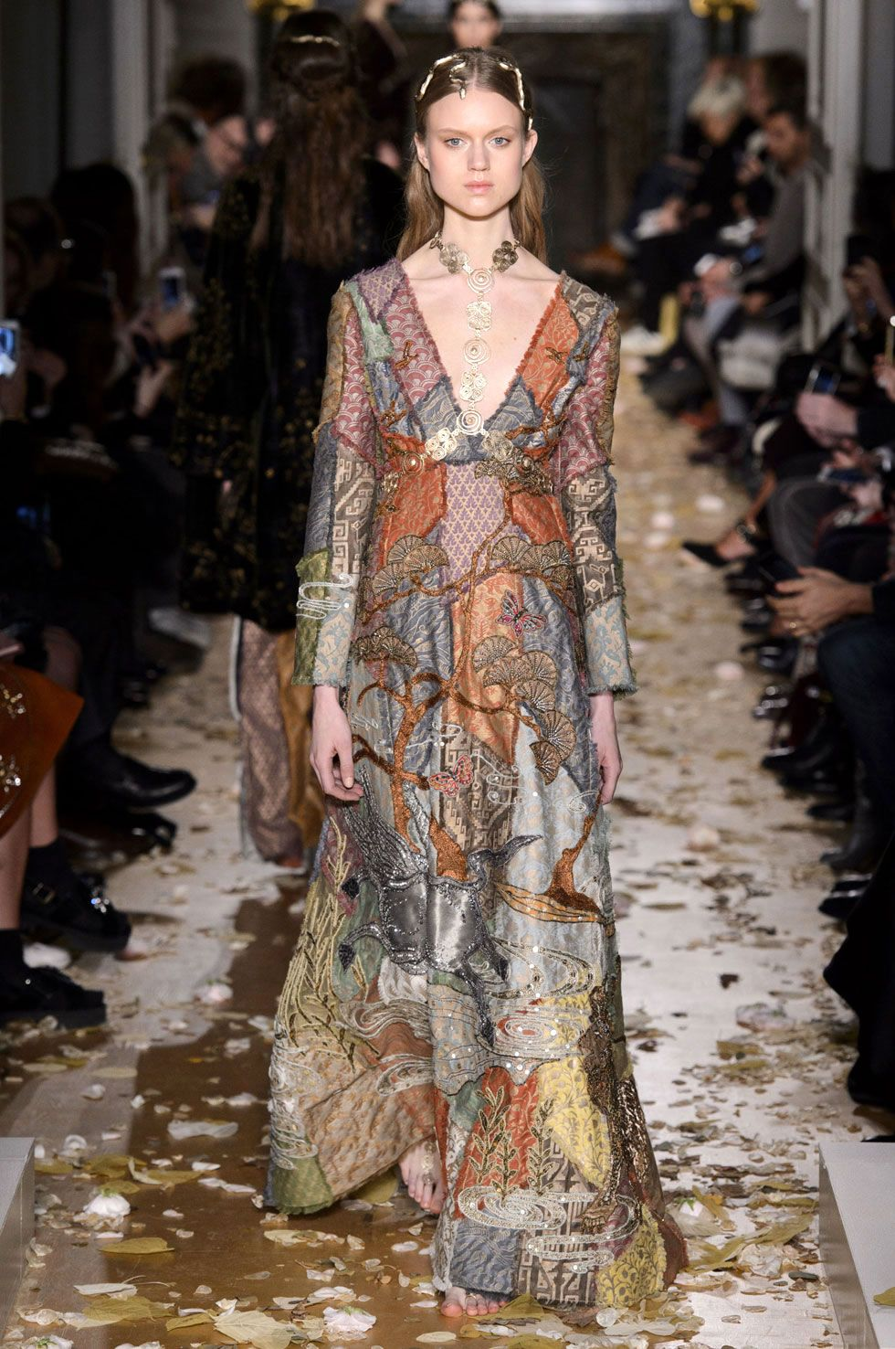 2019 year for girls- Spring-summer for valentino