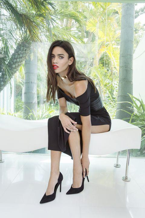 Clothing, Leg, Human leg, Fashion model, Knee, Black hair, Fashion, Beauty, High heels, Thigh,