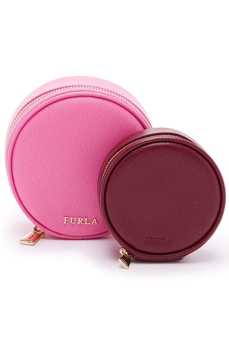"<p>Furla Yoyo Cosmetic Case Set, $125; <a href=""https://www.shopbop.com/yoyo-cosmetic-case-set-furla/vp/v=1/1560827544.htm?fm=search-viewall-shopbysize&os=false"" target=""_blank"">shopbop.com</a></p>"