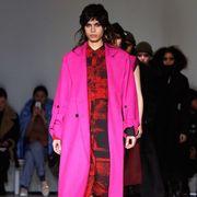 Fashion show, Runway, Style, Fashion model, Winter, Fashion, Street fashion, Black hair, Fur, Fashion design,