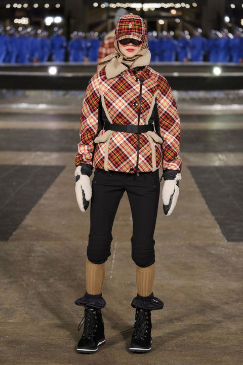 Sleeve, Plaid, Style, Street fashion, Knee, Pattern, Carmine, Fashion, Tartan, Fictional character,