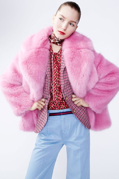 Sleeve, Collar, Shoulder, Textile, Magenta, Pink, Winter, Style, Fur clothing, Purple,