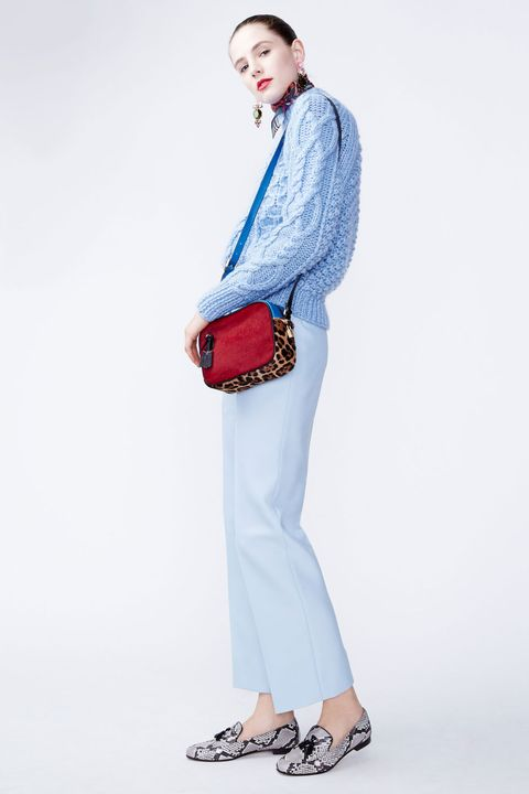 Sleeve, Trousers, Bag, Shoulder, Collar, Textile, Joint, White, Standing, Style,