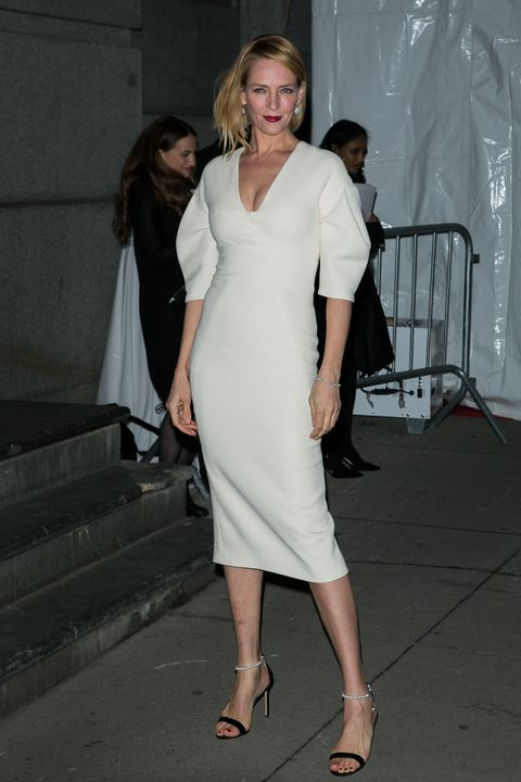 <p>Who: Uma Thurman</p><p>When: February 10, 2016</p><p>Why: We love the silhouette of Uma Thurman's ivory Lela Rose dress. The billowy sleeves are subtly voluminous without going over the top. </p>