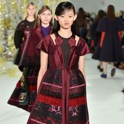 Sleeve, Style, Dress, Pattern, Fashion, Youth, One-piece garment, Fashion show, Fashion model, Fashion design,