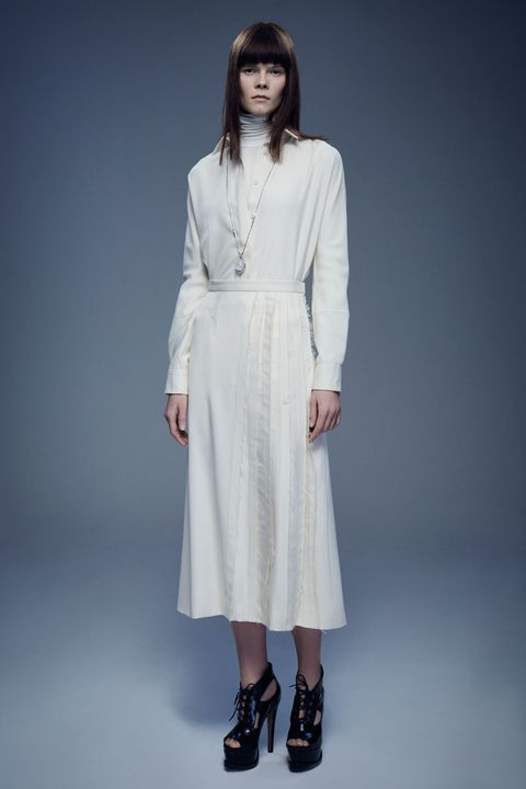 Clothing, Sleeve, Shoulder, Joint, Human leg, White, Style, Formal wear, Fashion, Neck,