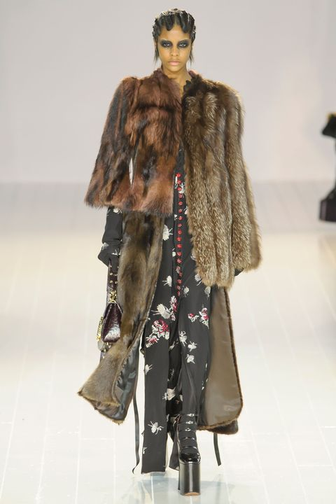 Sleeve, Shoulder, Textile, Joint, Outerwear, Jacket, Fur clothing, Style, Coat, Fashion show,