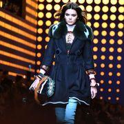 Street fashion, Bag, Overcoat, Fashion model, Scarf, Shoulder bag, Handbag,