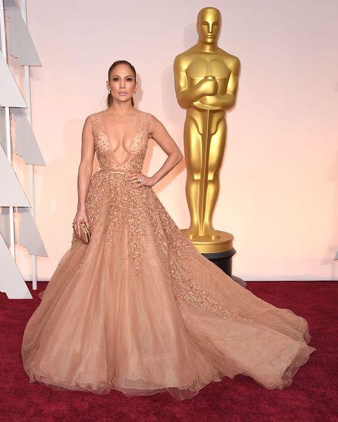 Human, Human body, Shoulder, Flooring, Joint, Standing, Dress, Floor, Style, Formal wear,