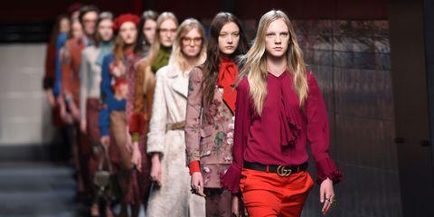Street fashion, Fashion, Waist, Youth, Fashion model, Long hair, Bag, Belt, Abdomen, Brown hair,
