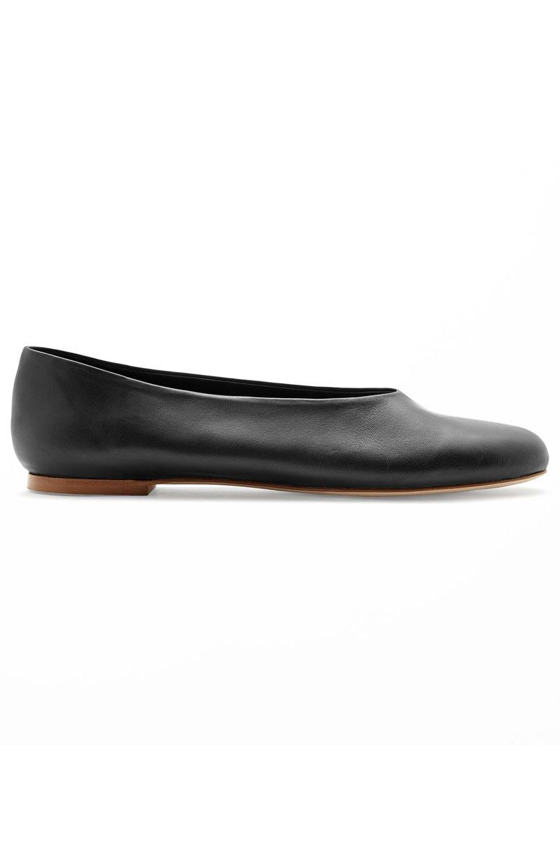 "<p>Cos Slip-On Leather Shoes, $125&#x3B; <a href=""https://urldefense.proofpoint.com/v2/url?u=http-3A__www.cosstores.com_us_Women_Shoes_Slip-2Don-5Fleather-5Fshoes_46897-2D17661134.1-23c-2D15133331&d=CwMFaQ&c=B73tqXN8Ec0ocRmZHMCntw&r=MD9PON_3e_YfvBNZlbD4wy2VpCsZUH7wLDWAZkHMYao&m=nK5NIej57rm5naXNzv5CO7PSxuKaq2vYNpCzU2uPr6k&s=Uh-3PSm8bce7mh8ufvNOrDpJsGKfUETWWFWqxU4G5Wc&e="" target=""_blank"">cosstores.com</a></p>"