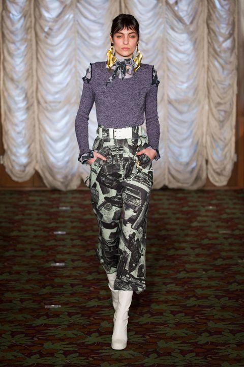 Textile, Style, Flooring, Fashion show, Curtain, Runway, Fashion model, Street fashion, Waist, Costume design,