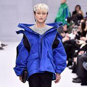 Blue, Sleeve, Style, Fashion show, Collar, Jacket, Fashion model, Fashion, Electric blue, Street fashion,