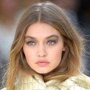 Lip, Cheek, Hairstyle, Skin, Chin, Eyebrow, Eyelash, Iris, Beauty, Organ,