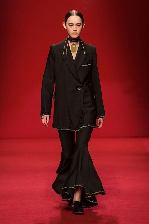 Collar, Coat, Outerwear, Red, Formal wear, Style, Fashion model, Blazer, Fashion, Fashion show,
