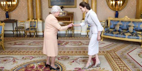 celebrities meeting the queen